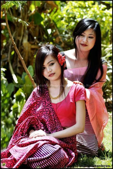 Itta sanasee ngasidee , Royal Manipuri traditional dress