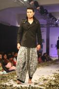 RobertNaorem-ManipurFashionExtravaganza 2013 (5)